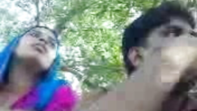 टिनी फूहड़ सेक्सी ब्लू पिक्चर हिंदी मूवी Khloe कुश उसकी तंग बिल्ली में कुछ डिक लेता है