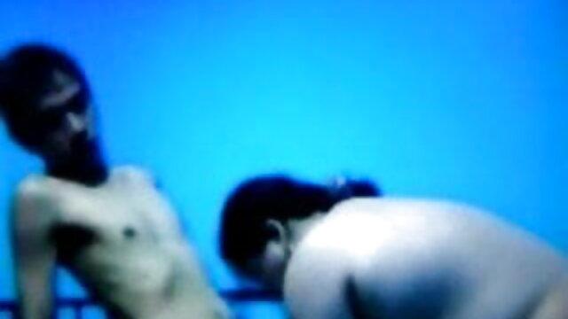 बड़े स्तन के साथ प्लम्पर लड़की के साथ bf पिक्चर सेक्सी मूवी खेलता है