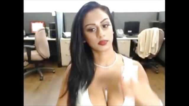 बालों पिक्चर मूवी सेक्सी वाली कातिल Skylar उसे चश्मा रहता है