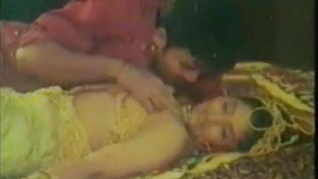 पार्क में स्कीनी वीडियो में सेक्सी पिक्चर मूवी किशोर बहकाया