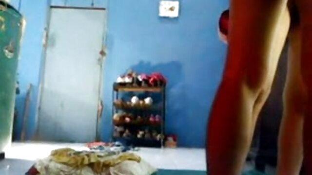 जंगली विधवा मूवी सेक्सी पिक्चर वीडियो में