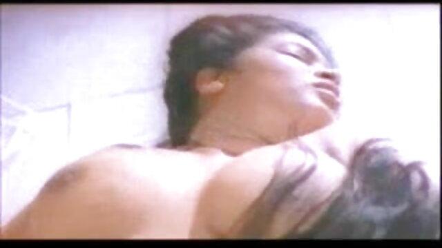 एशियाई किशोर बाहर इंग्लिश पिक्चर सेक्सी फुल मूवी कर रही है