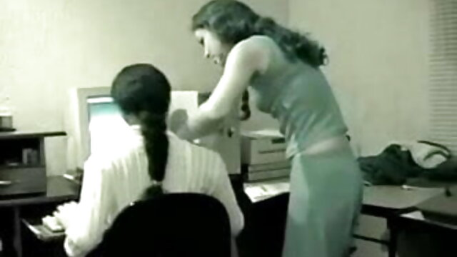 दो युवा स्कूल लड़कियों समलैंगिक मज़ा (SiMoN1988) सेक्सी मूवी ब्लू पिक्चर