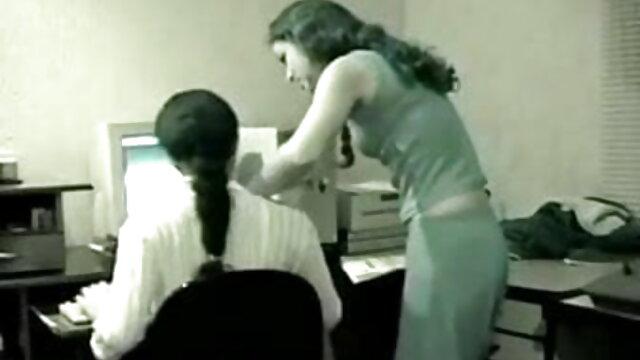 सह बिखरे हुए श्यामला पोर्नस्टार वीडियो में सेक्सी पिक्चर मूवी डायलन राइडर हो जाता है