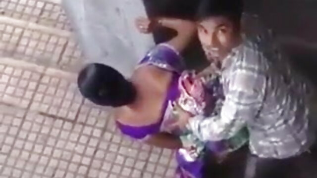 पोर्न प्यार करने वाली लड़की अपने आदमी भोजपुरी सेक्सी पिक्चर मूवी को धोखा देती है