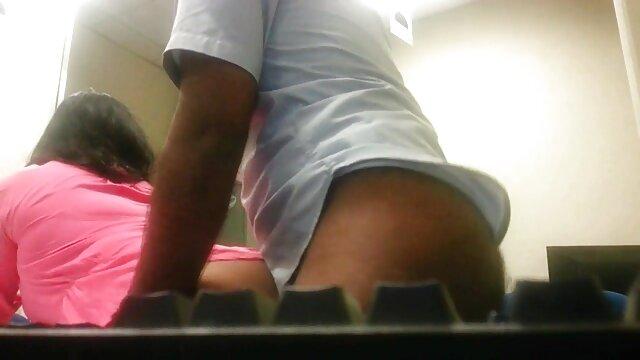 स्नान अंग्रेजी पिक्चर सेक्सी मूवी में S66 पर यासमीन