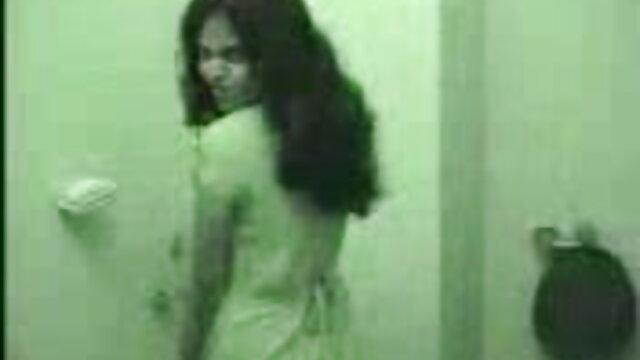 अमांडा रेंडल एक गंदी लड़की मूवी सेक्सी पिक्चर वीडियो में है।